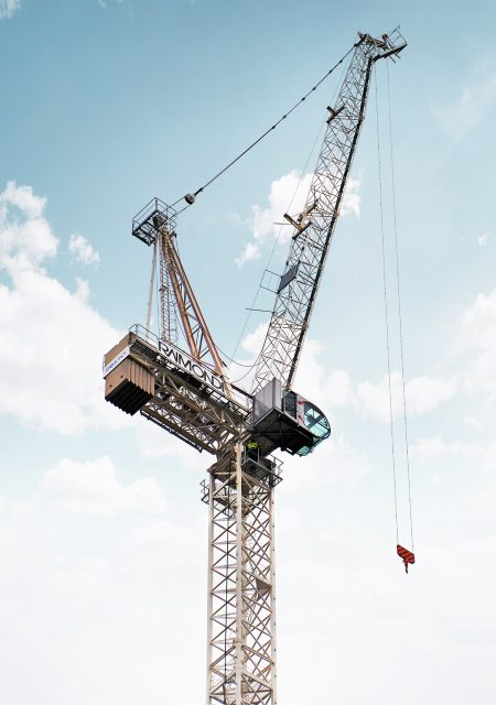Bennetts erects first ever Raimondi luffing LR213 in London